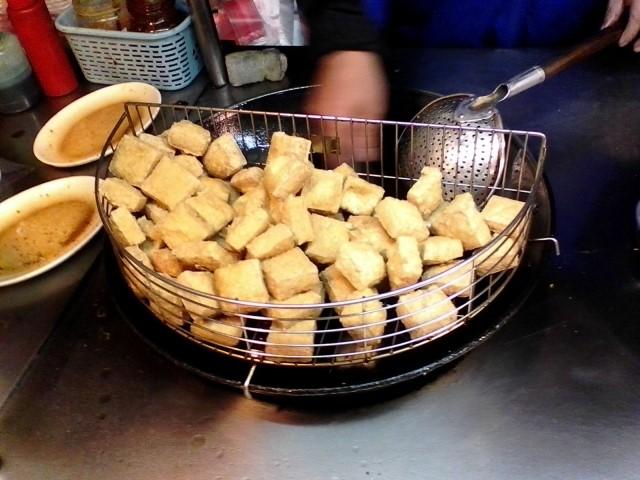臭豆腐の味やにおいが臭いって本当?例えると何な感じなのかも解説