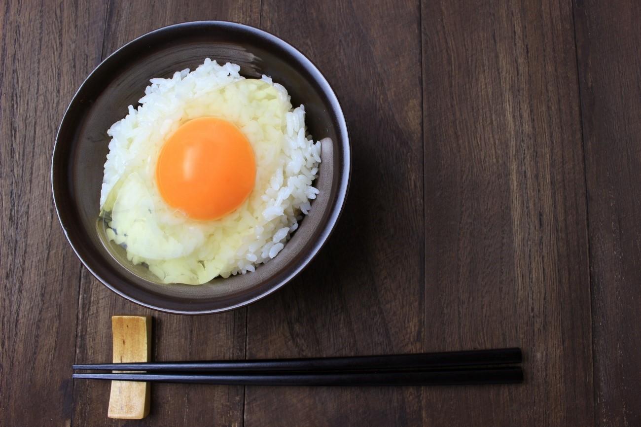 ご飯 から 歳 卵 かけ 何