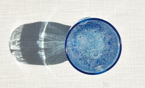 【炭酸水を飲むデメリット】本当に気を付けるべき6つのこと