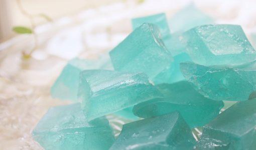 食べる宝石「琥珀糖」その味は?特徴や作り方を紹介